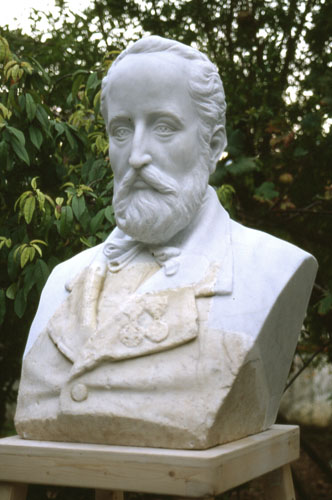 Busto di Don Alonzo Errera – Piazza del Municipio di Pantelleria