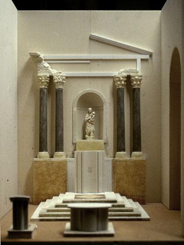 Plastico del coro, con Altare, Mensa e Ambone, progettati e realizzati da S. Rizzuti