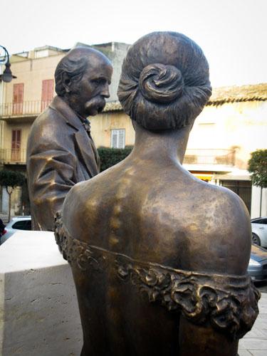 Monumento a Francesco Crispi e Rosalie a Montmasson