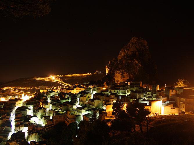 Il paese di notte
